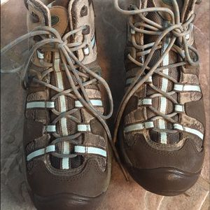 Chaco Women's Hiking Boots- Brown/Teal, Size8 EUC!